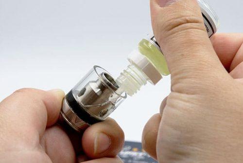 Comment remplir ma cigarette électronique eleaf ?